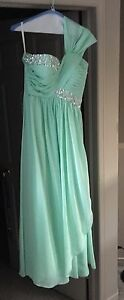 Beautiful prom dress! Size 6