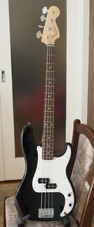 Black Squier Affinity P-bass