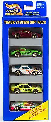 Hot Wheels Track System 5 Pack Gift Set Gold 3 Spokes - Ferrari Corvette 1996 B2