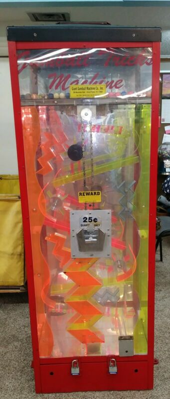 VINTAGE BUBBLE GUM TRICKS VENDING MACHINE  - W/ BOUNCY BALLS - 25 CENT VEND