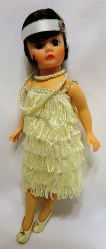 "9 "" Madame Alexander PORTRETTES COLLECTION ""FLAPPER"" #1118 Brunette w/IVORY"