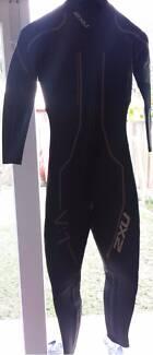 2XU wetsuit Medium Tall used twice Childers Bundaberg Surrounds Preview