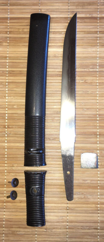 Fine Edo era Japanese Hirazukuri- Slab Sided Tanto Dagger, formal black mounts.