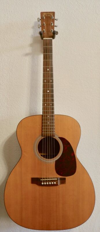 Martin J-1 Guitar. Excellent Condition Very playable