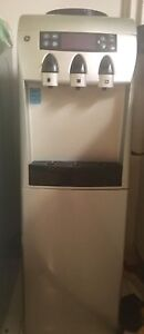 GE Water Dispenser with Integrated Refreshment chiller