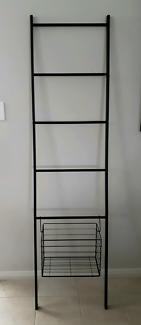 New black powder coated steel decorative/towel ladder with basket