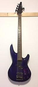 Bass 5 strings with pickups active