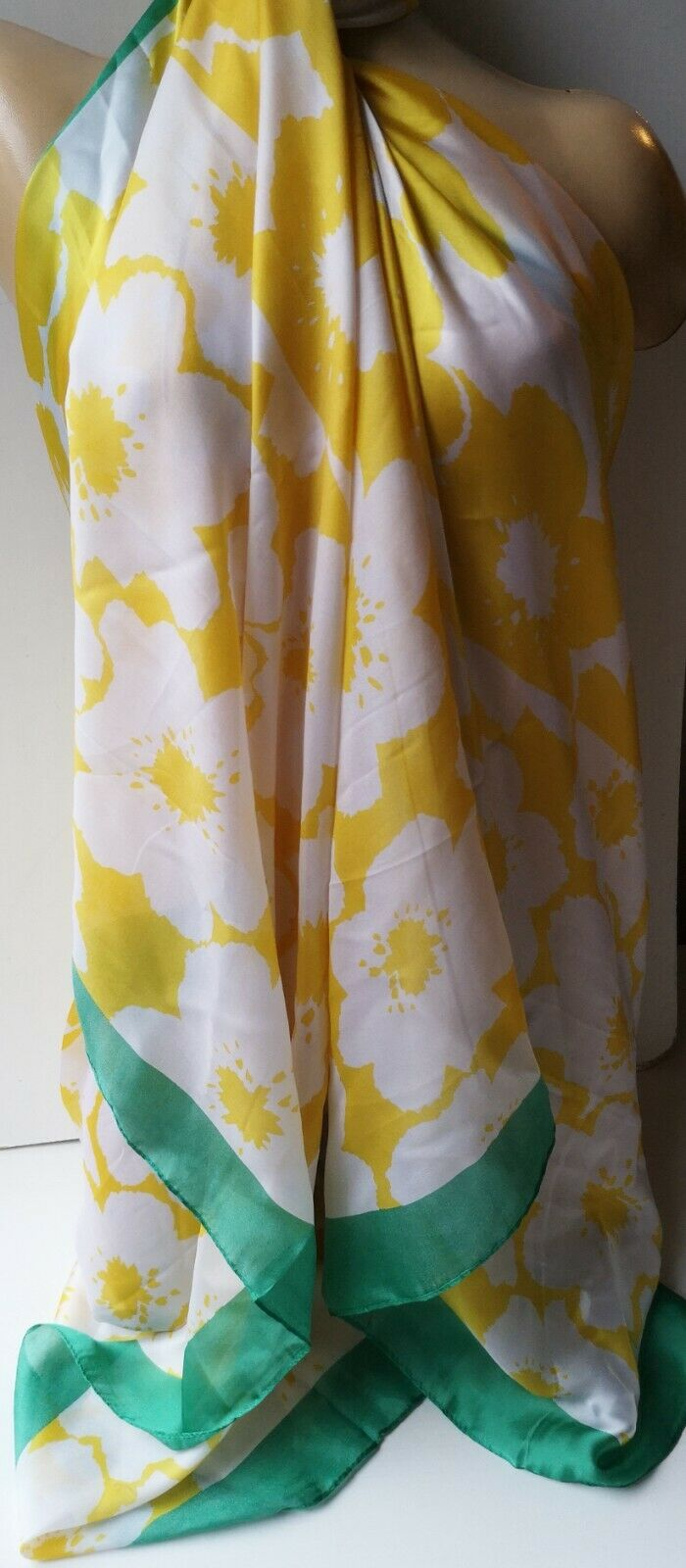 FAB  YELLOW WHITE FLORAL SARONG  PAREOS 20% SILK GREEN TRIM ONE SIZE NEW