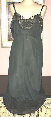 VTG MOJUD BUTTER SOFT SILKY NYLON EXTREMELY LACY FULL SLIP SIZE 38 BUST TO 40