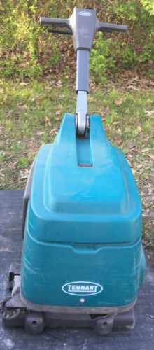 TENNANT T1 Lithium Ion BATTERY OPERATED FLOOR SCRUBBER - NO CHARGER 8664