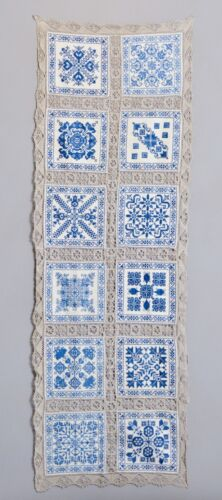 BEAUTIFUL ANTIQUE EUROPEAN FARMHOUSE TABLE RUNNER EMBROIDERY + LACE TAPESTRY