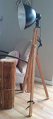 Tripod Retro Stativ Steh Lampe Loft Bauhaus Holz Dreibein silber schwarz Leuchte