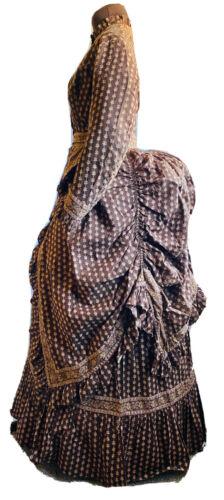 ANTIQUE 1870s PRINTED COTTON SUMMER BUSTLE DRESS