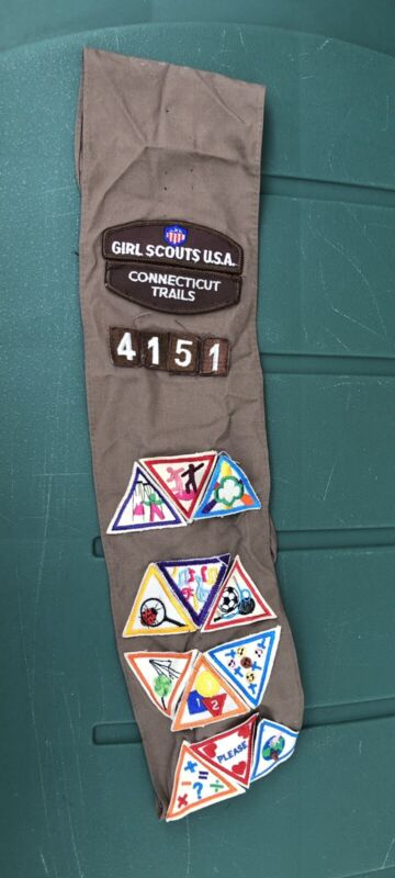 Vintage Girl Scout Sash Patches CT