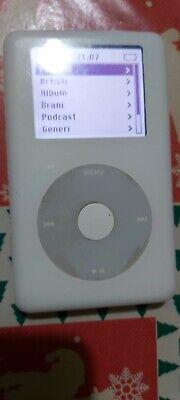 Apple iPod classic 1st Generation White (20 GB) bwhite display