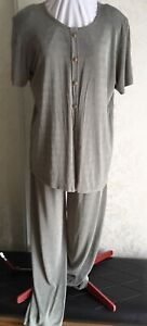 Ladies 2 pc pantsuit