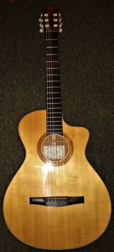2002 Taylor NS32-CE Acoustic Electric Nylon String Classical Guitar w/ hard case