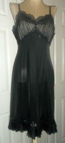 Vintage Black Vanity Fair Crystal Pleated Lace Nylon Tricot Full Slip Size 36