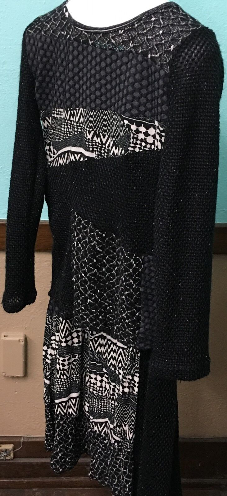 LOVE THE QUEEN Black & White Patchwork 2-Pc Tunic/Skirt Set