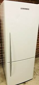 FISHER&PAYKEL 403LT FRIDGE IN GREAT CONDITION 1 MONTH WARRANTY