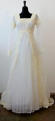 LOVELY vintage 50s 60s WHITE BRIDAL sheer, lace & pearl WEDDING DRESS