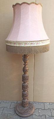 Beschnitzte Afrika/Asiatika ? Holz Stehlampe mit Schirm- Tiere,Elfanten,Löwe,etc