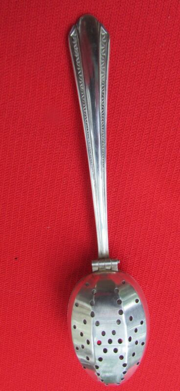 """1939 Gracious Pattern Tea Infuser By Wm A Rogers Silver Plate 5 1/2"""" Long"""