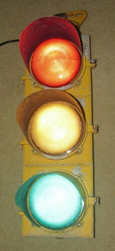 "8"" Aluminum 3 section LED Traffic Signal Light with hanger (M)"