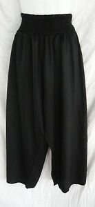 LADIES SHIRRED WAIST 3/4 PANTS plus size 18 20 22 $20.00 BLACK NEW WITH TAGS