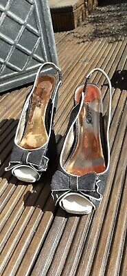 Ladies shoes size 3