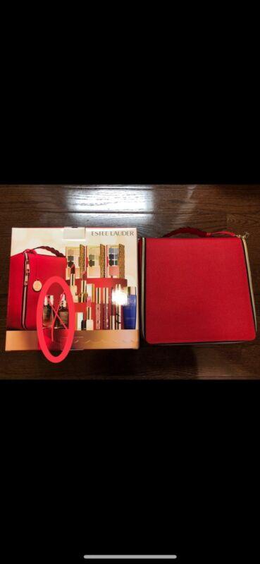 NIB Estee Lauder Blockbuster 2018 Holiday Make Up Gift Set w/Train Case COOL