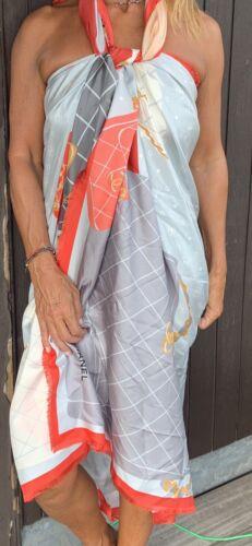 Superbe maxi foulard  pareo chanel neuf sac