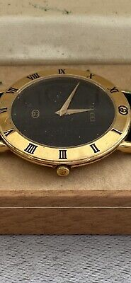 Genuine Vintage GUCCI 3000m Gold Plated Men's Watch Roman Numeral Bezel Leather