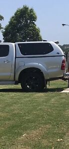 Hilux tub 2013 sr5 good used condition