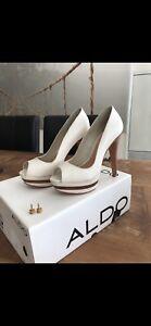 BRAND NEW Off white/beige peep toe heels