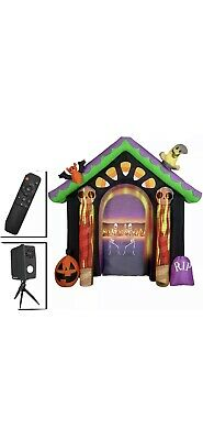 New! Gemmy 8.6 Feet Inflatable Halloween Archway Living Projection Haunted House