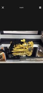 Die cast CAT D11 Track-Type Tractor