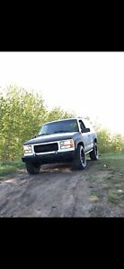1995 GMC Yukon 2 door 4X4 5.7L v8