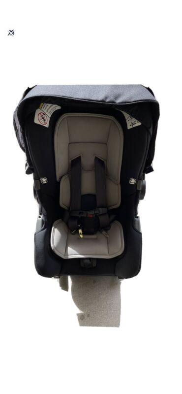 NUNA PIPA INFANT CAR SEAT AND RELX BASE Caviar