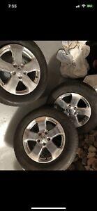 265/60 R18, 3 MICHELIN LATITUDE all season tires, Cherokee MAGS