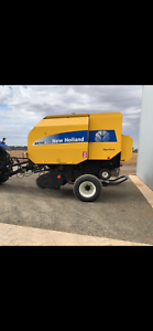 New Holland BR 740A Hay Roller