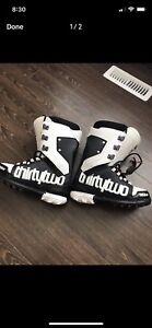 """Thirty two """"lashed"""" snowboard boots"""