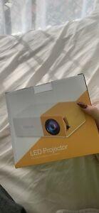 Mini Projector BRAND NEW