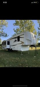RV Silverback by ceder creek 29re AMAZING DEAL!!
