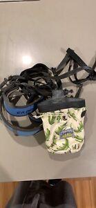 Junior climbing harness and chalk bag