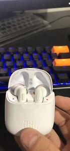 Jbl 220tws wireless earphones