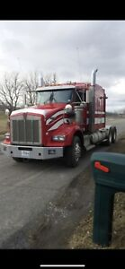 """Camion Kenworth T-800 72"""" bed - 2011"""