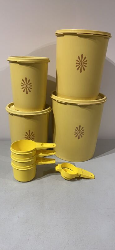 Vintage Tupperware 4-Piece Set Canisters Numbers 805, 807, 809, 811 VGUC