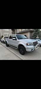 FORD F-150 FX4 SUPERCREW LOW KM + EXTENDED WARRANTY