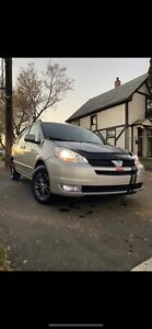 2004 Toyota Sienna AWD great condition